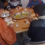مطاعم مدرسية تفتتح وجباتها بالكاسكروت بحجة عدم توفر الطباخ