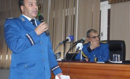 رئيس الأمن الولائى ابراهيم عقون يعقد ندوة صحفية حول الحصيلة السنوية لجهاز الشرطة بعنابة