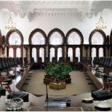 فى اطار الحركة التي أجراها رئيس الجمهورية عبد العزيز بوتفليقة تم على اثرها اسقاط 8 وزراء من الجهاز التنفيدي